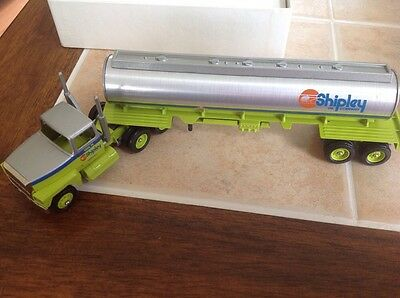 Winross  Shipley Oil Company Truck & Tanker First Edition New