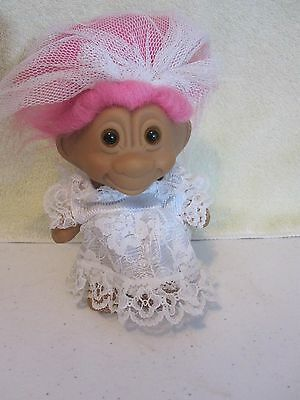 """Unmarked 4 3/4"""" TROLL W/ PINK HAIR DRESSED AS BRIDE WITH WHITE LACE GOWN & VEIL"""