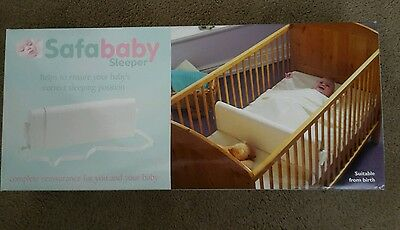 White Safababy Sleeper Feet to Foot Position Cot Divider