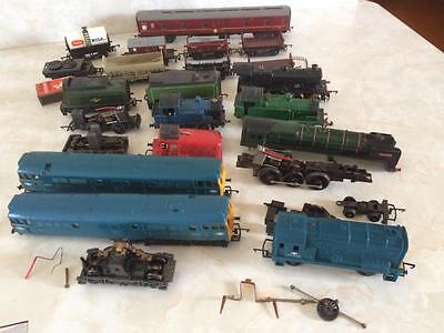 Bulk Lot Vintage HO Scale Tri-ang Loco's & Rolling Stock For Parts Restoration