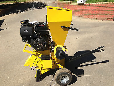 Michigan Shredder Chipper Mulcher 20hp Complete with spare belt,tool kit, manual