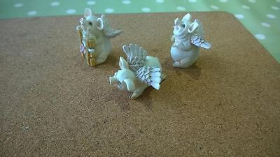 **3 Pigs With Wings**ornaments