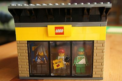 Custom/MOC Lego Store - See photos - All NEW pieces used - Lego City