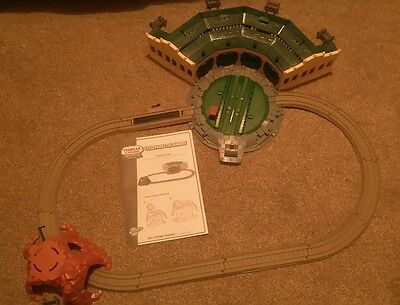 Thomas the tank engine & Friends Trackmaster TIDMOUTH SHEDS & ROTATING TURNTABLE