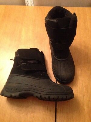 Boys Snow Boots. Size 7. Hardly Used.