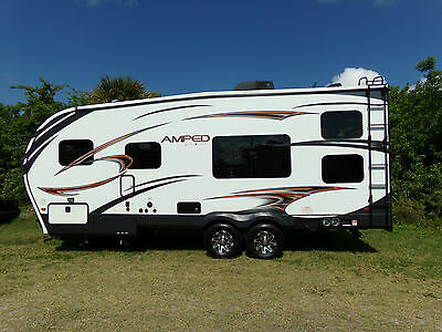 Beautiful 2014 Amp 22FSB Toy Hauler With Generator! Loaded! 90 Day Warranty!