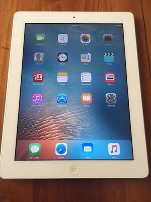 Apple iPad 2 16GB, Wi-Fi, 9.7in - White Tablet - Excellent condition