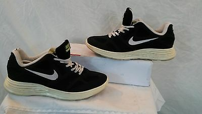Nike Men's Fly Knit Lightweight Trainers. Size 7. Used. Good Condition,