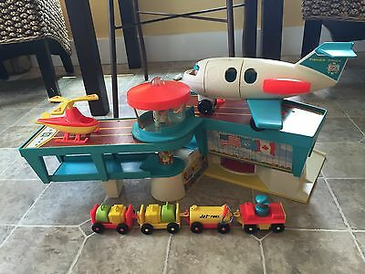 Vtg Fisher Price Little People Play Family Airport & Airplance-Complete Set