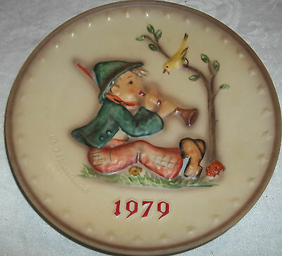 """7.5"""" Circa 1979 Hummel Goebel Collectors Plate Child Playing Horn West Germany"""