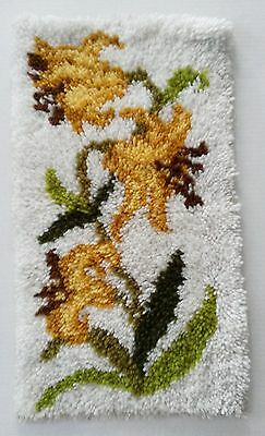 """Completed Latch Hook Wall Hanging Rug 15"""" x 26"""" Yellow Flowers Vintage"""