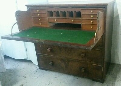 4 drawer vintage secataire.