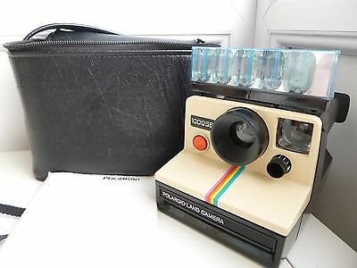 Polaroid 1000 SE Land Instant Camera with soft Case,Flash & instructions