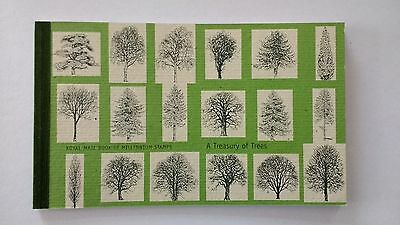 DX26 A Treasury of Trees 2000 Royal Mail Prestige Stamp Book.