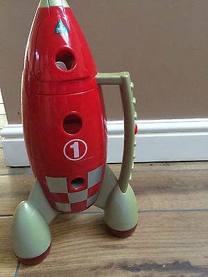 Childrens play set and rocket toy