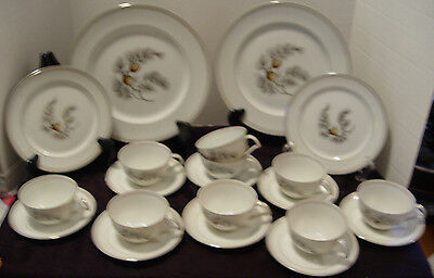 Kent Franciscan Glading McBean & Co.24 Pieces Silver Pine  Made In Japan