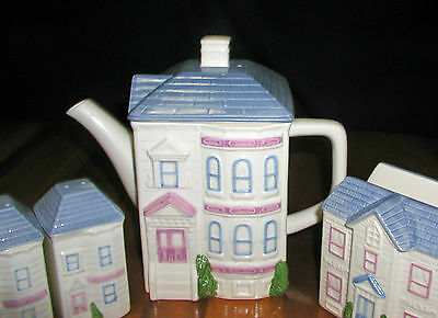 1988 Hearth & Home Design Victorian house Teapot Salt & Pepper Shakers, Napkin