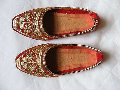 Vintage Pair of Childs Asian /Oriental Shoes