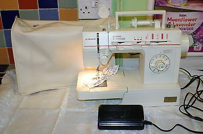 Singer electric sewing machine Model 4525c
