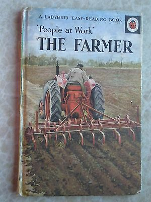 Ladybird - The Farmer - Series 606B A Ladybird Easy Reading People At Work Book