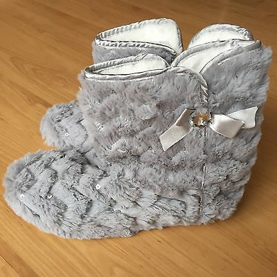 Women Grey Fluffy Boot Slippers Size M 5-6