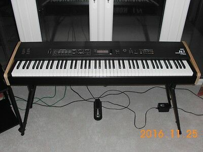 Korg N1 88-Note Weighted Keyboard Synthesizer In Excellent Condition