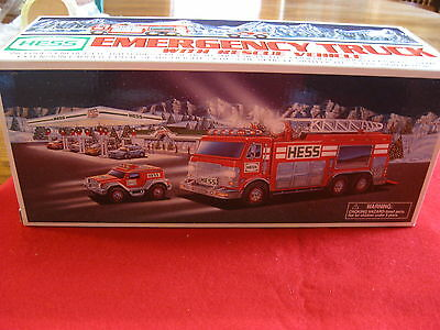 2005 Hess Toy Emergency Truck & Rescue Vehicle New In Box Holiday Tradition