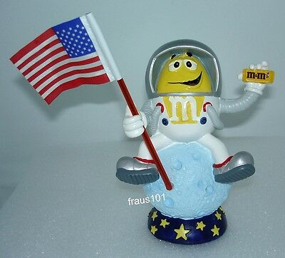M&M's Kurt Adler Limited Edition Yellow in Space Figurine