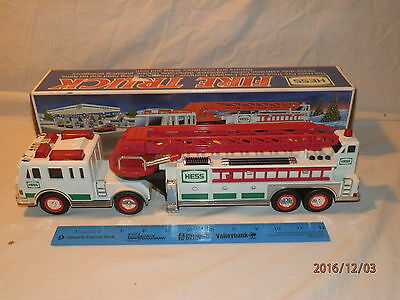 Hess 2000 Toy Fire Truck IN ORIGINAL BOX!