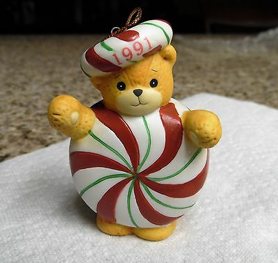 Lucy and Me 1991 Candy Peppermint Teddy Bear Figurine