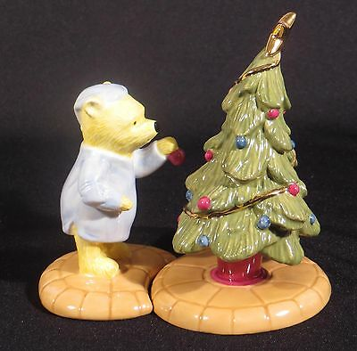 ROYAL DOULTON DISNEY POOH CHRISTMAS A LITTLE TREE TRIMMING IS IN ORDER w/ TREE