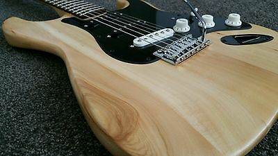 Fender Squier Affinity Custom Stratocaster SSS Electric Guitar + Fender Softcase