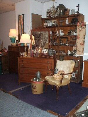 Stunning Tiger Maple Dresser and Mirror Vintage Chippendale Witz