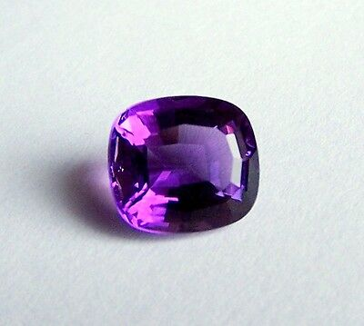 UKM   Amethyst  Antik   Kissenform  12 x 11 x 7,5 mm  6,06 Carat