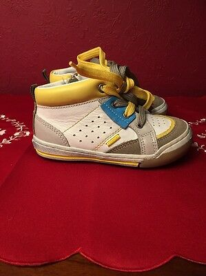 Primigi Boys White/Yellow Ankle Boots Fully Leather Lined Size 25 UK 8