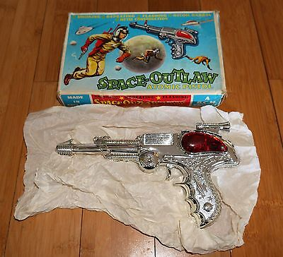 BOXED VINTAGE CHROME BCM LONE STAR SPACE OUTLAW ATOMIC PISTOL RAY CAP GUN 1960s