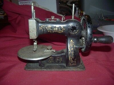 Antique National S.m.co. ~Stitchwell~ Cast Iron Toy Hand Crank Sewing Machine