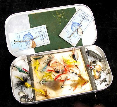 Vintage Fly Fishing Tin with Flies * Collection