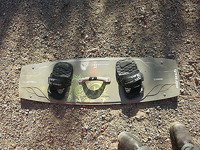 Kite board kite surfing Airush X-pact 126 twin tip free ride freestyle