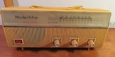 Nobility Solid State X100KC 7 Transistor Radio (Antique)