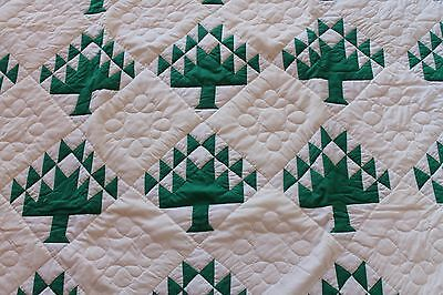 1940s PINE TREE QUILT / Hand Quilted in 1980s / MINT!  Perfect for Christmas