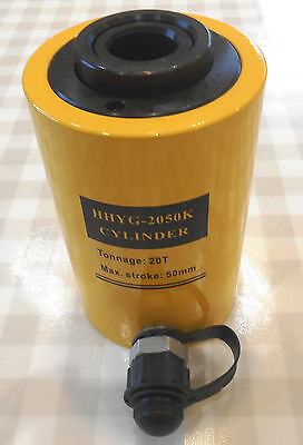 20 TON HOLLOW HYDRAULIC RAM CYLINDER WITH 50mm STROKE. £107.00 + VAT