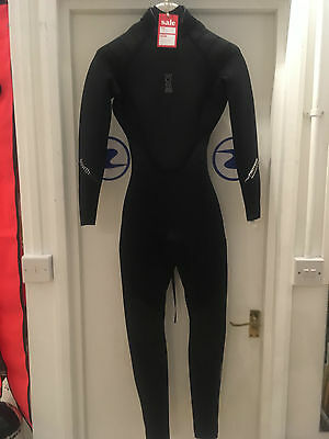 Brand New Women's Size 8 Fourth Element Proteus 3mm Wetsuit