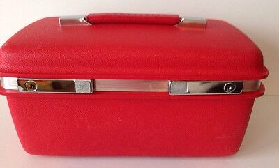 Samsonite Saturn Beauty Train Case Barberry Red Tray Key Vintage Hard  Luggage