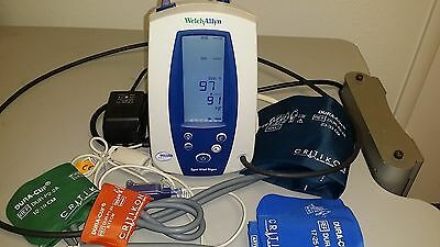 Welch Allyn 42NTB Series Vital Signs Monitor (Complete &Tested)