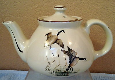 Game Bird 2-Cup New York Teapot with Platinum Trim made by Hall China