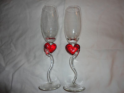 Set of 2 Valentines day red heart champagne wine glasses