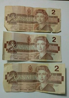 Lot of 3 1986 Canadian $2 Dollar Bills Circulated Thiessen Crow Notes two