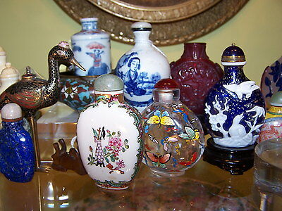 1- Antique  Chinese Porcelain  Snuff Bottle Qing  Mark ? Very Fine Painted