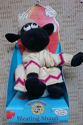 Wallace and Gromit Bleating Shaun Sheep 11inch plush boxed